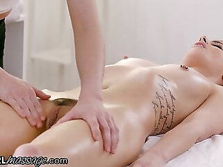 Thirsty Redhead Lacy Lennon Gives A Scissoring Massage hardcore fingering