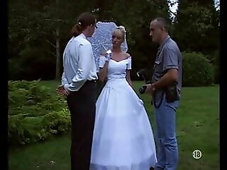 Vintage - The bride, the photographer & the groom blonde anal