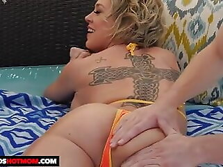 I massage my stepmom massage milf