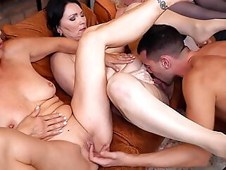 Moms and housewives suck and fuck young boys mature blowjob