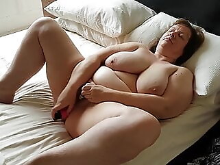 Jeanette, sexy UK GILF Slut granny british