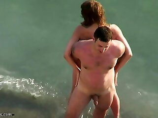 Sex on the beach 03 (voyeur) blowjob beach