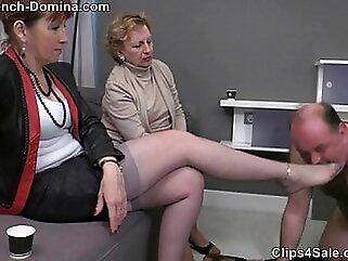 Ms Eva - Under the feet of the Ladies femdom mature